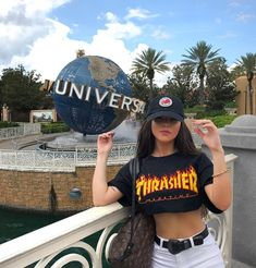 Bianca Anchieta discovered by 𝐜𝓪𝓲𝓵𝓵𝓲𝓷 on We Heart It Shotting Photo, Girl Photography Poses, Disney Pictures, Tumblr Girls, Universal Studios, Cute Photos, Disney Trips, Photo Poses, Disney Dream