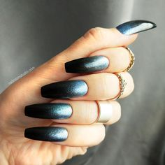 Black ombre halloween blue silver press on nails fake nails glue on nails. Blue And Silver Nails, Black Ombre Nails, Blue Nails, Black Silver, Glitter French Nails, Sparkle Nails, Nail Design Kit, French Nail Designs, Super Nails