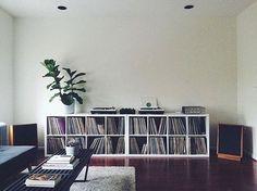 Home studio music ikea record storage ideas Vinyl Storage, Lp Storage, Home Studio Musik, Vinyl Room, Audio Room, Home And Living, Living Room, Shelving, Vinyls