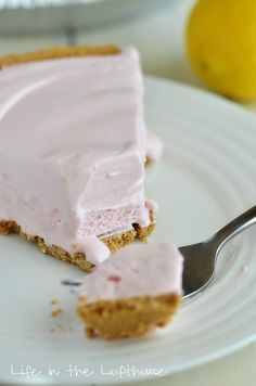 Frozen Pink Lemonade Pie ~ http://life-in-the-lofthouse.com/frozen-pink-lemonade-pie/