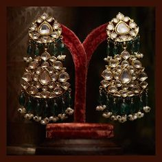 Classic earrings from the Sabyasachi Heritage Jewelry collection. Made in gold with uncut diamonds, emeralds and pearls. Gold Jewellery Design, Jewelery, Silver Jewelry, Quartz Jewelry, 925 Silver, Beaded Jewelry, Silver Rings, Sterling Silver, Pakistani Bridal Jewelry