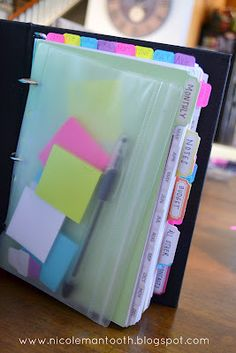 Random Ramblings..nicely thought out Day Planner from nicolemantooth.blogspot.com