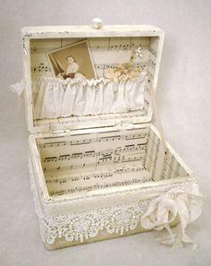 DIY recycle - darling keepsake treasure box, made from an old jewelry box.
