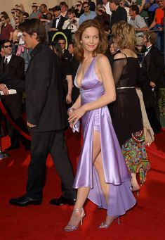 celebrity feet pictures from Diane Lane Feet photos) Beautiful Celebrities, Beautiful Actresses, Beautiful People, Beautiful Women, Diane Lane Actress, Actrices Hollywood, Female Actresses, Aubrey Plaza, Satin Dresses