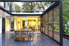 Wil Bongers Architectuur - Projecten - Moderne uitbouw aanbouw tuinkamer glas staal enhout