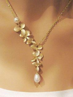 Swarovski Aquamarine Champagne briolette necklace and earrings set Sterling Silver Prom Jewelry Wedding Jewelry - Custom Jewelry Ideas Pearl Necklace Wedding, Gold Pearl Necklace, Pearl Jewelry, Bridal Jewelry, Silver Jewelry, Fine Jewelry, Jewelry Necklaces, Jewellery, Silver Necklaces