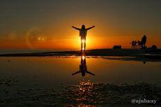 Albada en l'Espigó del Gas  #Bondia  #CatalunyaExperience #BCNmoltmes #CatalunyaGrafias #OK_Catalunya #Barcelona_Turisme #Anonymous_CAT #ReflectionGram #sunsetsmax #pocket_sunset #world_bestsky #sunset_stream #sunset_greece #ig_week_sunsets #InstaCAT_Club