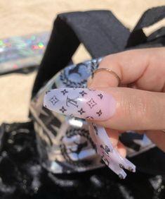Installation of acrylic or gel nails - My Nails Acrylic Nail Art, Acrylic Nail Designs, Nail Art Designs, Nails Design, Cute Nails, Pretty Nails, My Nails, Manicure Y Pedicure, Mani Pedi