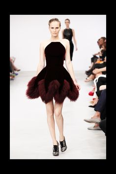 Azzedine Alaïa Fall 2011 Couture - Collection - Gallery - Style.com