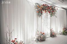 """Mellow Elegant"" #axathewedding #jenivaweddingplanner #jenivadesign #weddingdecoration #weddingdecor #design #flowers #photobackdrop #backdrop #weddingplanner #thailandwedding"