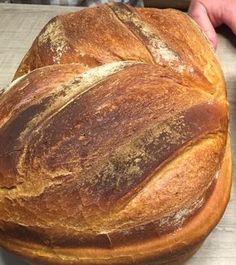 Dieses Brot war mein erstes Brot das ich damals als ich den  Zaubermeister  gekauft hatte gebacken habe.   Zutaten:   450 g Wasser  30 g...