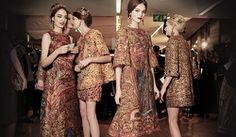 Fall Winter 2014 fashion Must Have trends: Mosaics from Dolce and Gabbana runway. Video