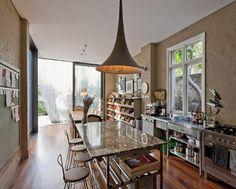 I love this kitchen!! | Glass Loggia House by Allen Jack+Cottier, Vladimir Sitta and Belinda Koopman.