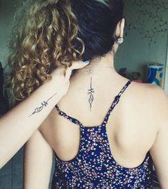 tatouage mere fille nuque poignet                                                                                                                                                                                 Plus