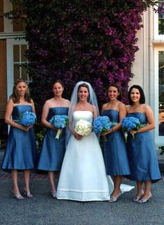 blue wedding flowers | wedding day | bridal
