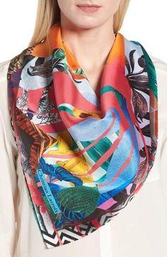 Christian Lacroix Bayou Fantasy Silk Square Scarf Styles Écharpe, Emballage  D écharpe, Rouleaux 0f695128c1e