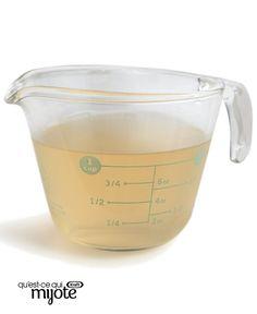 Bouillon de dinde #recette Liquid Measuring Cup, Measuring Cups, La Marmite, Preserves, Cookie Cutters, Cravings, Loafer, Costa Rica, Garlic