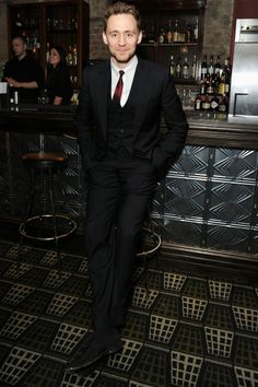 If I saw Hiddleston in a bar, I would probably trip and fall over something. <3