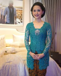 Image may contain: 1 person Vera Kebaya, Kebaya Lace, Kebaya Hijab, Kebaya Brokat, Dress Brokat, Batik Kebaya, Kebaya Dress, Kebaya Muslim, Batik Dress