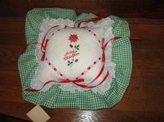 Vintage Christmas Pillow Green and White by VintageSouthernPicks