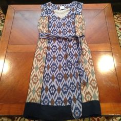 **HP** Anthropologie dress In perfect condition! Cute with tie around waist. Anthropologie Dresses