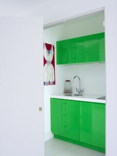 bright green and white are refreshing in the kitchen