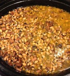 Black-eyed peas in a crock pot - super easy and super yummy!!