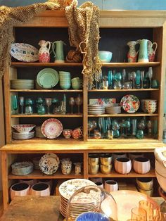 50 Exciting Rustic Bohemian Kitchen Decorations Ideas – Best Home Decorating Ideas Gypsy Home Decor, Boho Home, Bohemian Furniture, Bohemian Decor, Bohemian Style, China Hutch Decor, Bohemian Kitchen, Gypsy Kitchen, Anthropologie Home