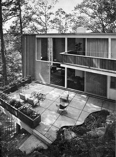 open, warm, light (Sherwood, Mills & Smith Architects – The Mills House, Modern Exterior, Exterior Design, Architecture Details, Interior Architecture, Mid Century Exterior, Mid Century House, Mid Century Modern Design, Brutalist, Midcentury Modern