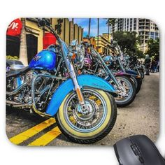 I really like this lovely chopper motorcycle drawing Classic Harley Davidson, Harley Davidson Fatboy, Harley Davidson Street Glide, Harley Davidson Motorcycles, Motorcycle Posters, Chopper Motorcycle, Scrambler Motorcycle, Girl Motorcycle, Motorcycle Quotes
