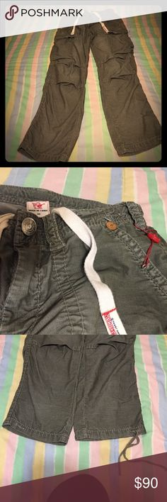 Men's True Religion cargo pants Men's True Religion corduroy cargo pants. Excellent condition. Left pant leg missing a string. Size 30. True Religion Pants Cargo