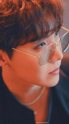 Imagine (BTS) - You wanna imagine Here you will find reactions, one shots, imagine d … # Fanfic # amreadi - Namjoon, Seokjin, Bts Taehyung, Gwangju, Foto Bts, Bts Bangtan Boy, Bts Boys, Jung Hoseok, J Hope Tumblr