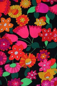 My Favorite Vintage Fabric Vintage Fabric // Patterns, Fabrics, Prints & Dessins<br> Middle long skirt. Motifs Textiles, Textile Patterns, Flower Patterns, Print Patterns, Pattern Print, Textile Art, Retro Fabric, Vintage Fabrics, Vintage Prints