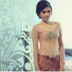 Kebaya Kebaya Lace, Kebaya Brokat, Kebaya Dress, Batik Kebaya, Batik Dress, Couture Wedding Gowns, Designer Wedding Dresses, Traditional Fashion, Traditional Outfits
