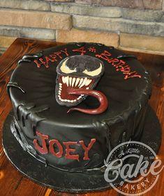 Spiderman Cake Ideas for Little Super Heroes - Novelty Birthday Cakes Spiderman Cake Topper, Spiderman Birthday Cake, Batman Cakes, Hello Kitty Cat, Venom, Slab Cake, Villains Party, Bithday Cake, Novelty Birthday Cakes