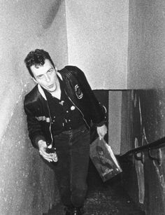 The clash - joe strummer Joe Strummer, Beatles, Toast Of London, Happy Birthday Joe, Topper Headon, The Future Is Unwritten, Paul Simonon, Mick Jones, Le Choc