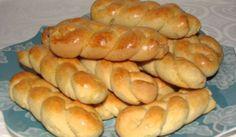 Greek Cooking Club of America: Easter cookies (koulourakia) Sweet Buns, Sweet Pie, Greek Desserts, Greek Recipes, Koulourakia Recipe, Greek Cookies, Armenian Recipes, Easter Cookies, Hot Dog Buns