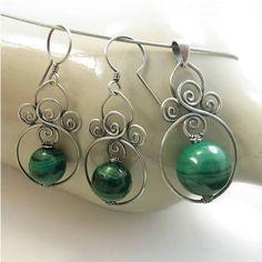 Kwitnące nenufary - Biżuteria artystyczna, srebrne kolczyki z naturalnymi kamieniami, ze szkłem, na szydełku