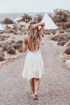 Moab, UT // white dress lost in a desert