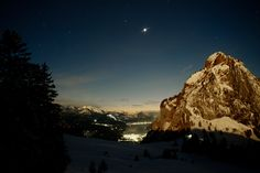 The Mythen a landmark of Schwyz In the moonshine after that shot I did a moonshine powder skiing down thats nice Go Skiing, Kaiser, Switzerland, Northern Lights, Trail, Hiking, Landscape, Walks, Scenery