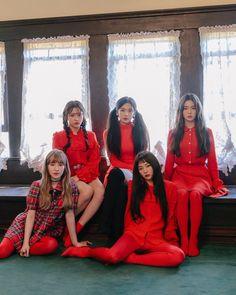 Red Velvet Peekaboo
