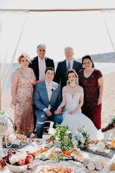 Persian ceremony in front of the sea - Vanessa Serrani Wedding Planner Barcelona Wedding Planner, Destination Wedding, Bridesmaid Dresses, Wedding Dresses, Persian, Barcelona, Fashion, Bridal Gowns, Wedding Planer
