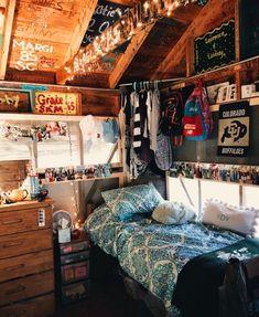 Retro Room, Vintage Room, Cute Dorm Rooms, Cool Rooms, Grunge Bedroom, Bedroom Decor For Teen Girls, Diy Bedroom, Design Bedroom, Bedroom Ideas