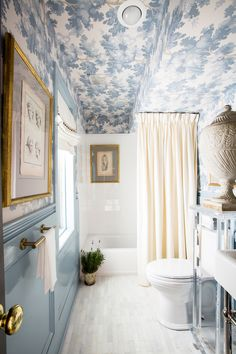 bathroom wallpaper A lovely blue and white bathroom full of character and detail. Love the wallpapered ceiling and high gloss painted walls. Design by Shaun Smith Home - wallpaper - Raphael by Sandberg Bad Inspiration, Decoration Inspiration, Decoration Design, Bathroom Inspiration, Interior Inspiration, Decor Ideas, Home Decoration, Interior Ideas, Home Interior