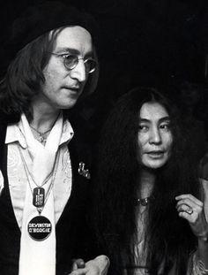 John Lennon and Yoko Ono photographed by Ron Galella. John Lennon And Yoko, Imagine John Lennon, Jhon Lennon, Jazz Artists, Yoko Ono, Joko, Famous Photographers, Wife And Girlfriend, Saddest Songs