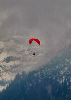 hang glide in switzerland
