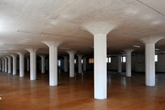 ROBERT MAILLART grain warehouse in aldorf, 1910 - First mushroom ceiling in Europe/ Disappearance of the beams/ the whole floor is treated like a slab, an actively cooperative structural member by distributing reinforcement throughout its whole area
