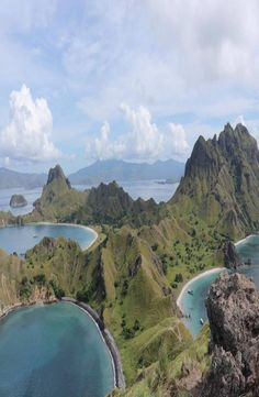Padar Island is a small Indonesian island between the islands Rinca and Komodo, and is a part of the Komodo National Park. Komodo National Park, National Parks, Backpacking, River, Island, Pictures, Outdoor, Beauty, Places