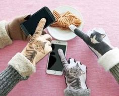 Cat Punch Gloves Make Pawing Your Smartphone More Fashionable | PetsLady