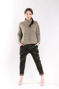 BATIK PANTS Set of two pairs of cotton comfortable pants - the same for mom and doughter. #fashion #thesame #brownpants #poland #kidsfashion #womanfashion #momandchild #girlfashion #boyfashion #elegant #comfortable #stylishkids #stylishmother #stylishgirl  http://www.thesame.eu/kategoria/spodnie-i-szorty/spodnie-batik-woman